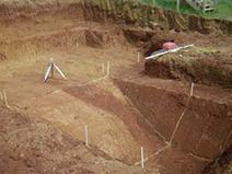fase 1 scavo costruire una piscina